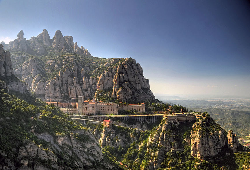 Montserrat_Barcelona.jpg